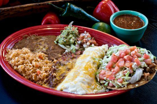 Mexikanisch, mexikanische Gerichte, mexikanische Teller, mexikanische Küche, mexikanisches Essen, mexikanische Spezialitäten
